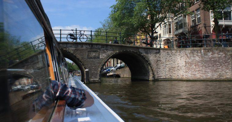 [Amsterdam] La gare, le Dam, les canaux, le quartier rouge